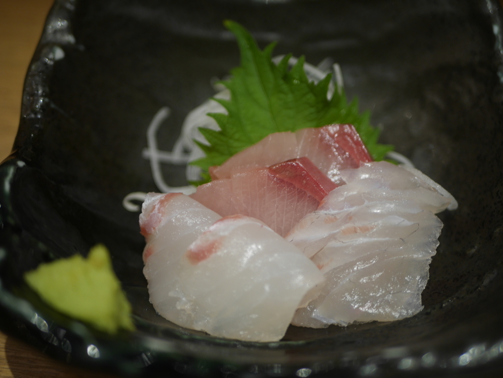 名古屋駅にあるエビフライの美味しいお店まるは食堂のお刺身3種盛り