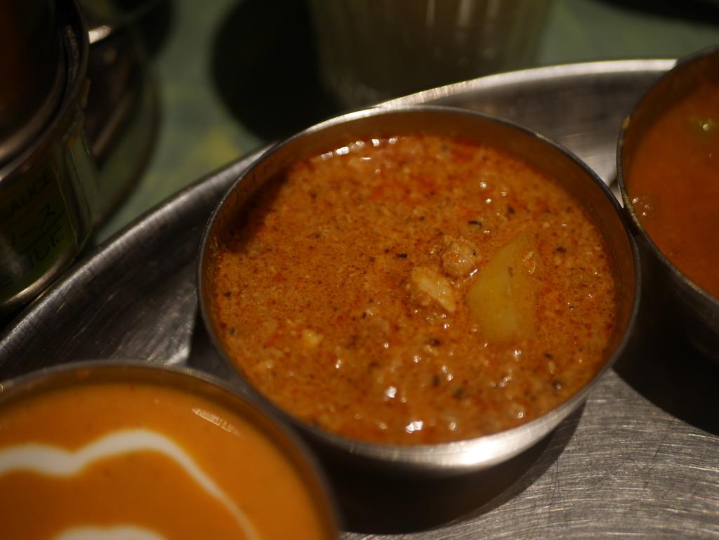 名古屋駅近くのKITTEにある南インド料理のお店エリックサウスのカレーランチ