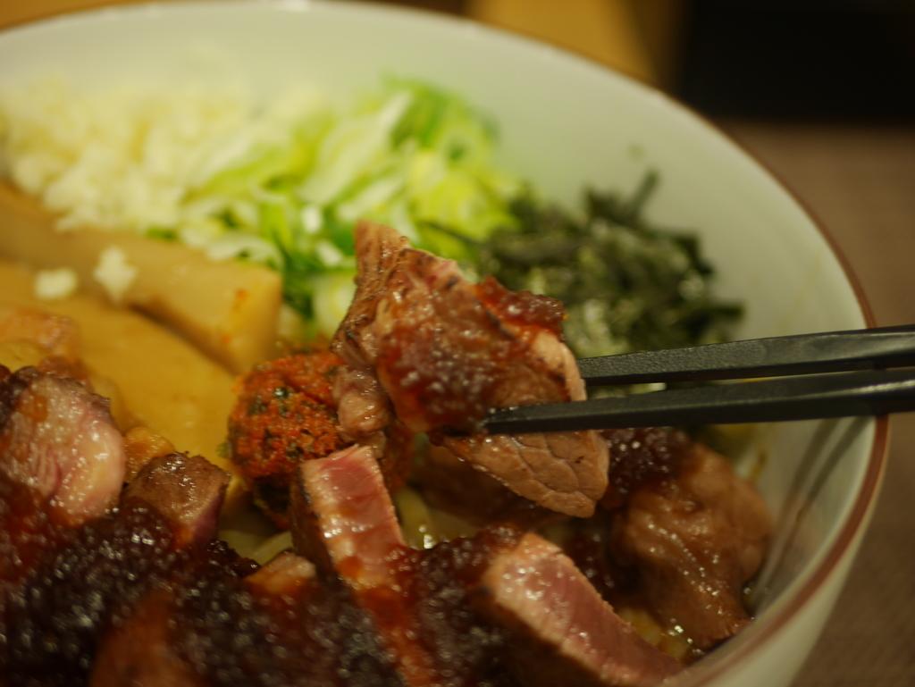 名古屋市南区にあるラーメン屋麺屋又兵衛のステーキトッピング