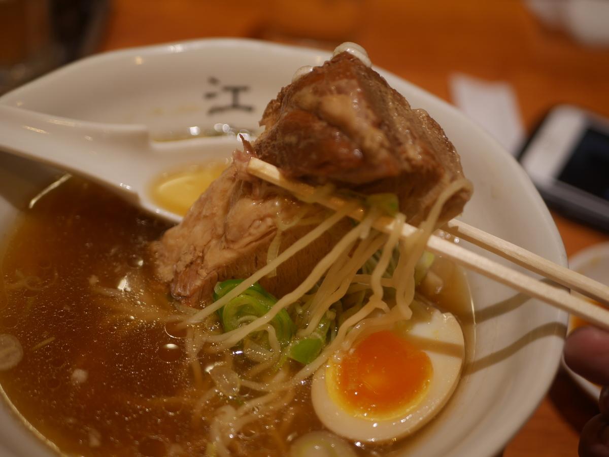 名古屋駅から徒歩3分の場所にあるラーメン屋江南の特製ラーメンの角煮