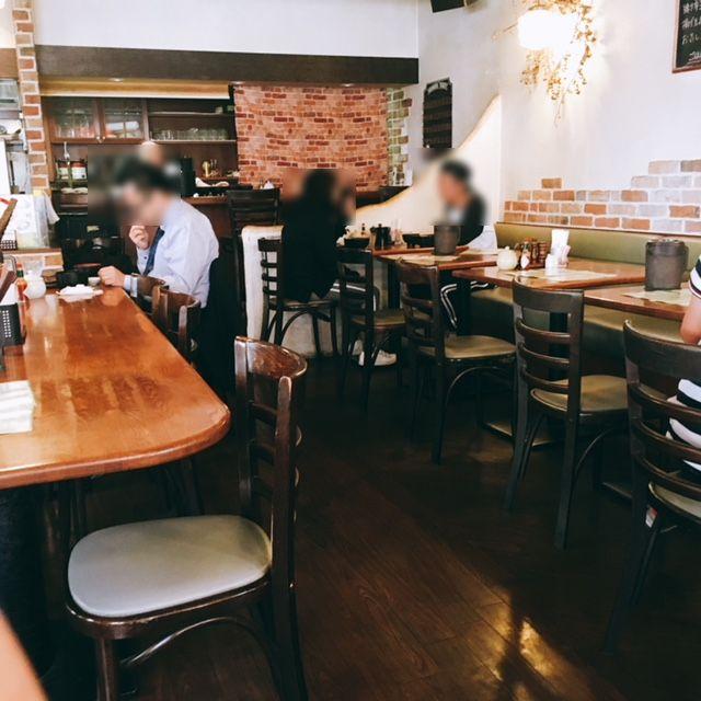 名古屋の久屋大通・高岳エリアにあるスパゲッティとハンバーグのお店はせ家の内観