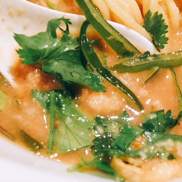 名古屋市岩塚にあるラーメン屋さんIKEDAのしびれパクチー味噌ラーメンのスープ