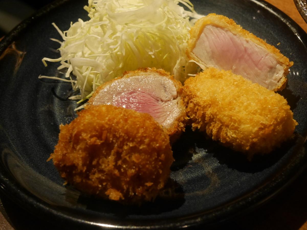 名古屋市伏見にある味噌カツ居酒屋豚八堂のロースカツとヒレカツ