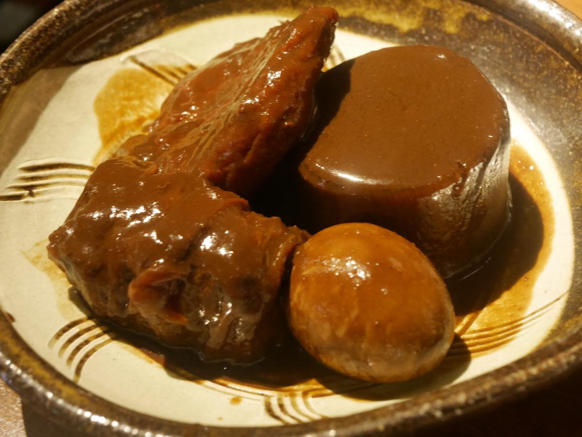 名古屋市伏見にある味噌カツ居酒屋豚八堂の味噌おでん