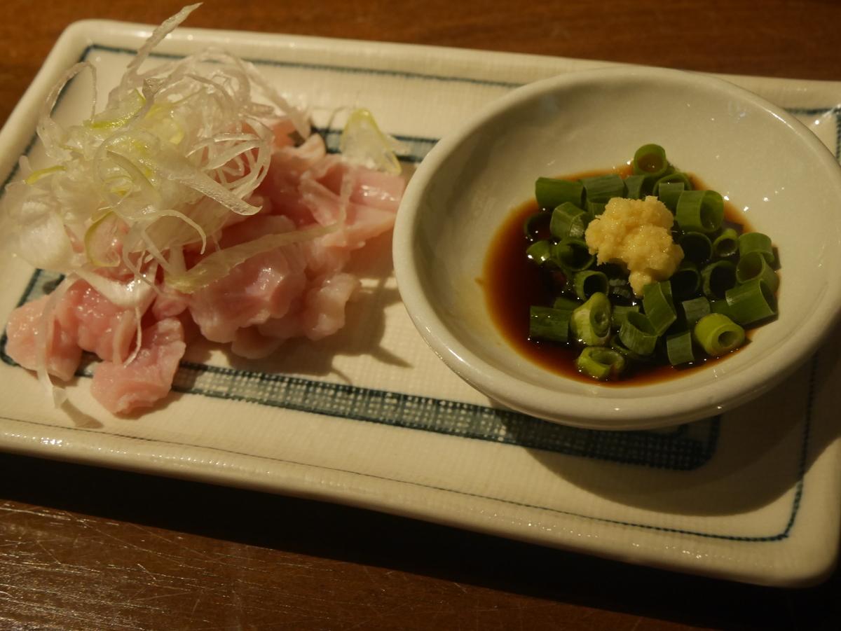 名古屋市伏見にある味噌カツ居酒屋豚八堂のコブクロ刺