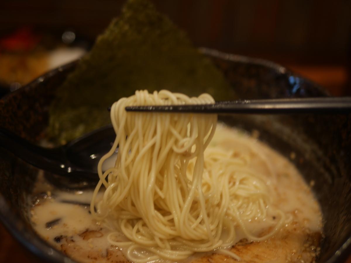 2019年名古屋市東別院にオープンしたラーメン新店千季路の千季路麺の麺