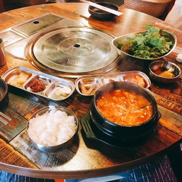 名古屋市大須にある韓国料理専門店カントンの思い出のサムギョプサルランチ