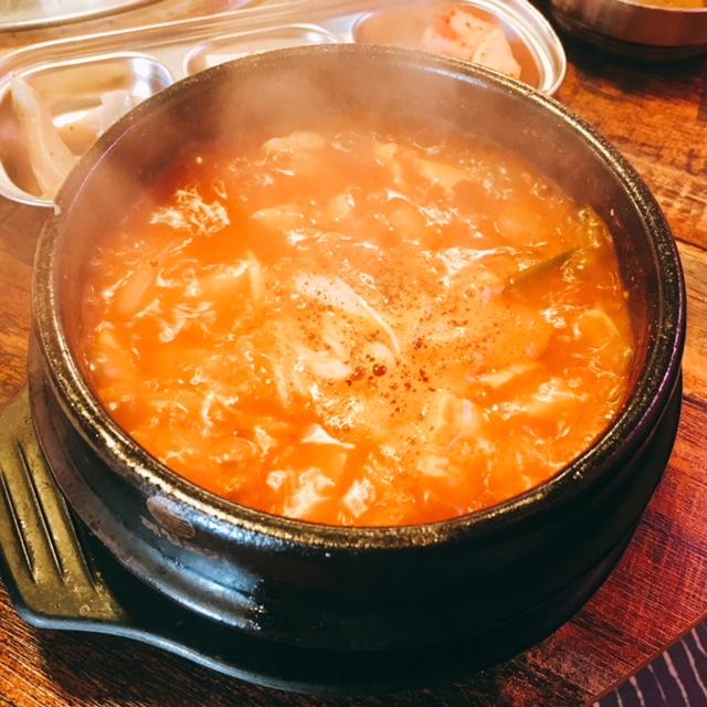 名古屋市大須にある韓国料理専門店カントンの思い出のサムギョプサルランチのスンドゥブチゲ