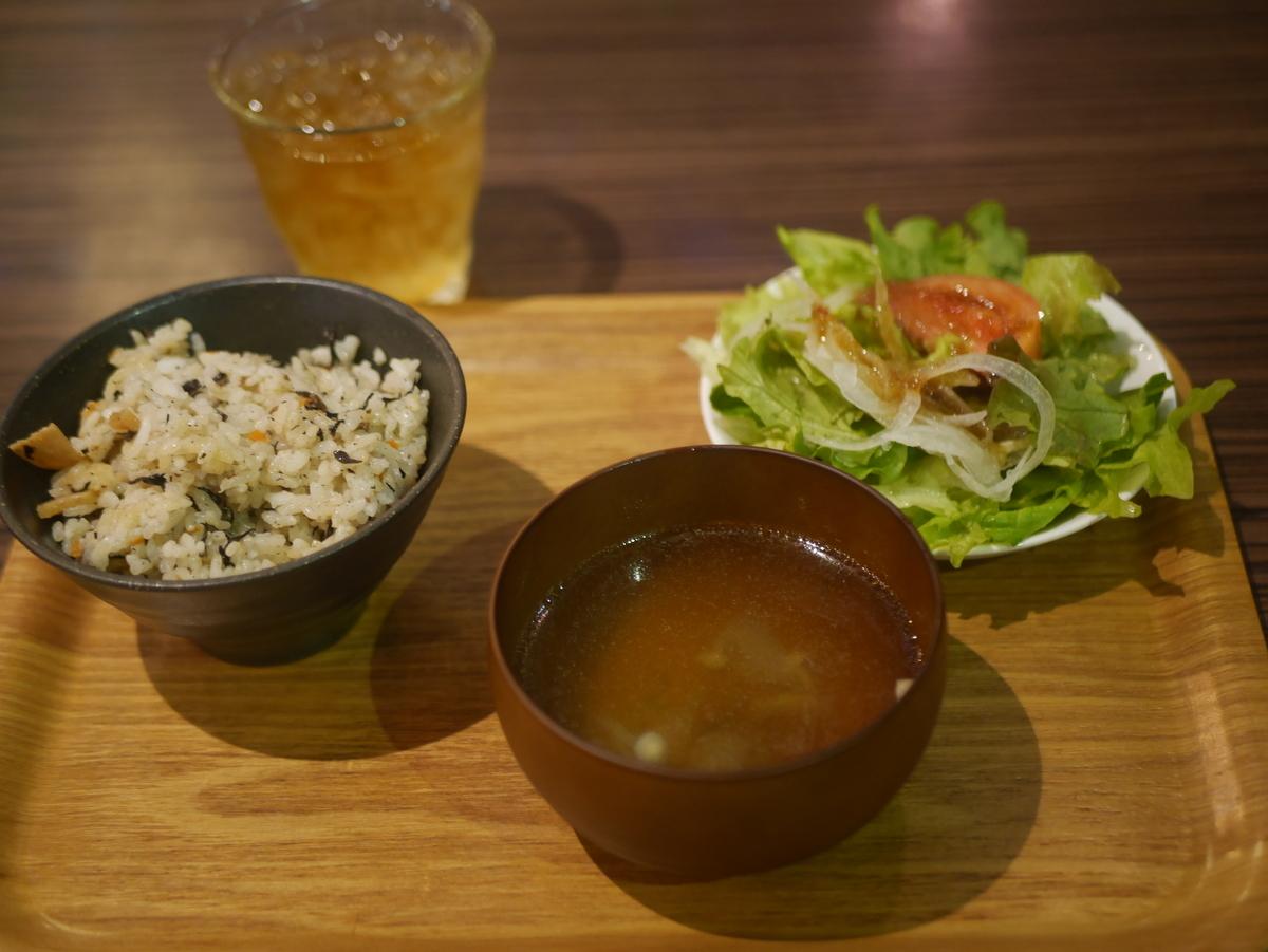 名古屋市大須にある沖縄料理のお店沖縄宝島にらいのじゅーしーなど