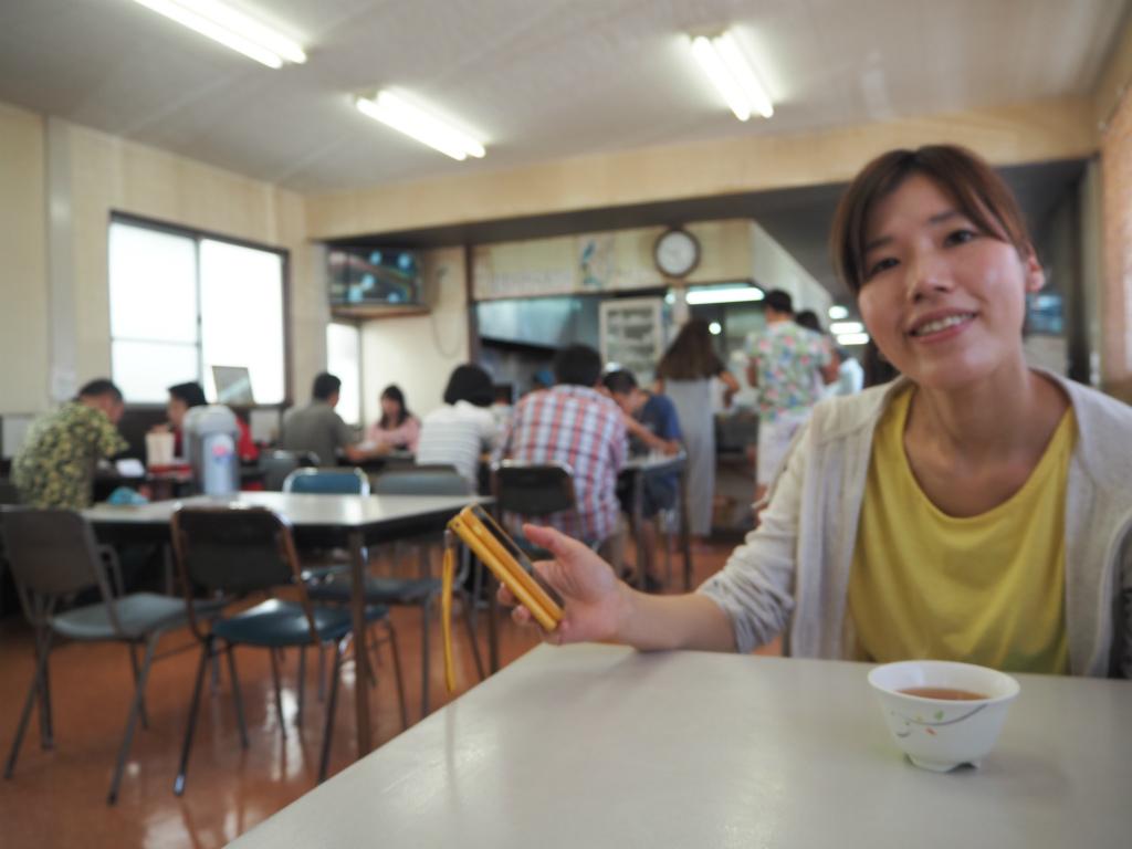 f:id:s-m0214:20160808122220j:plain ひもの食堂の中は朝から賑わっています。