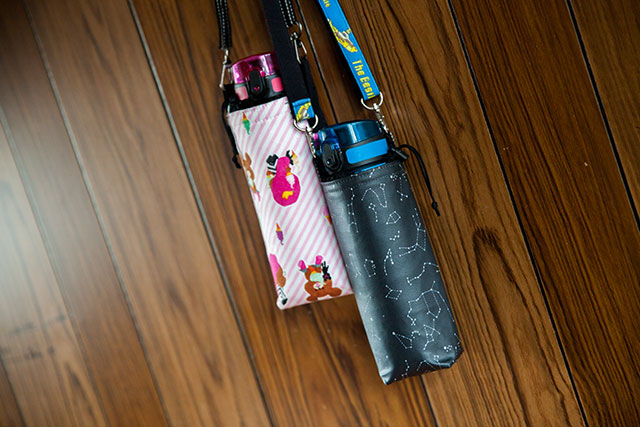 ハンドメイド水筒カバー,黒地星座プラネタリウム柄.ピンクジャッキー柄