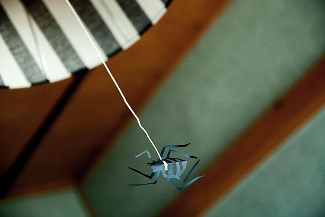 切り紙クモ,ペンダントライト,紐