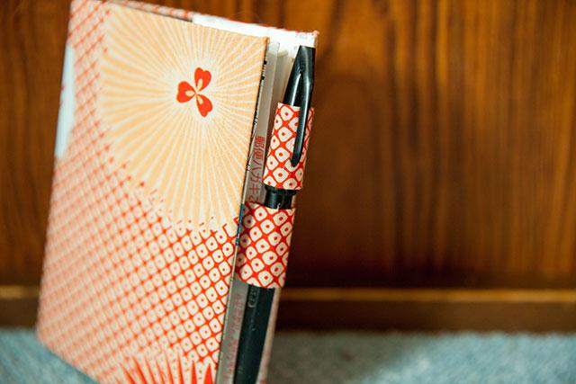 手帳カバーの作り方・バタフライペンホルダー
