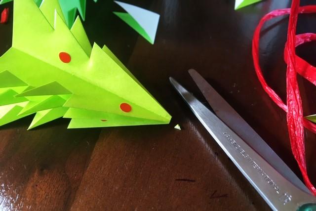 折り紙立体クリスマスツリー飾りの作り方