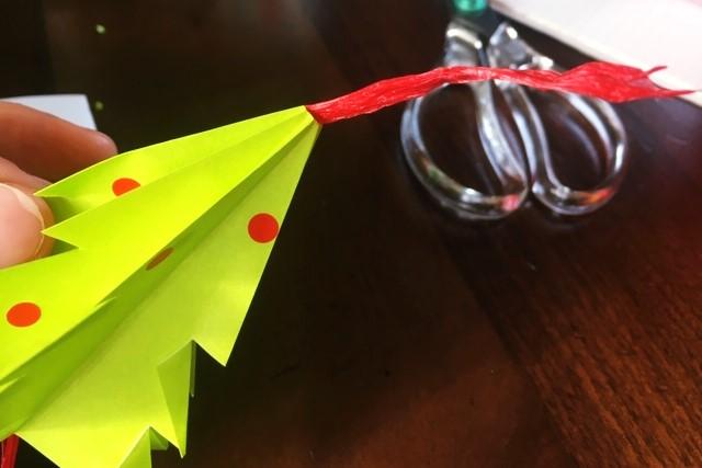 折り紙立体クリスマスツリー飾り,紐の通し方