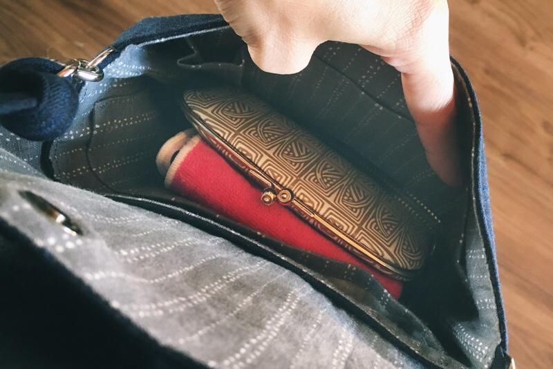 ウォレットバッグ,中身,がま口財布,ハンカチ