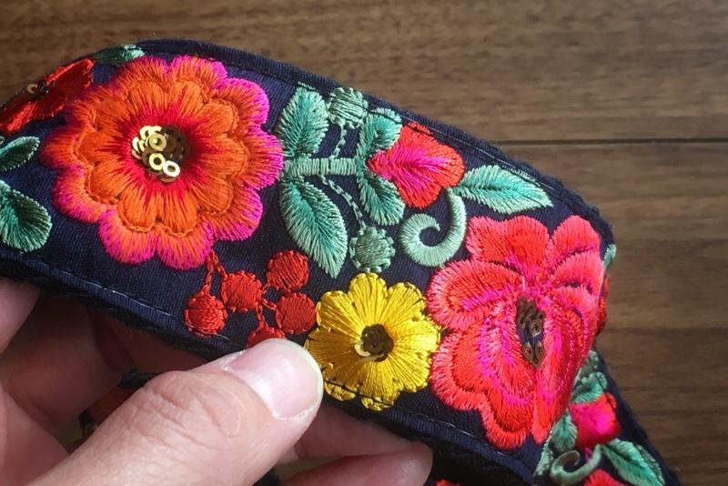 インド刺繍,花柄,チロリアンテープ
