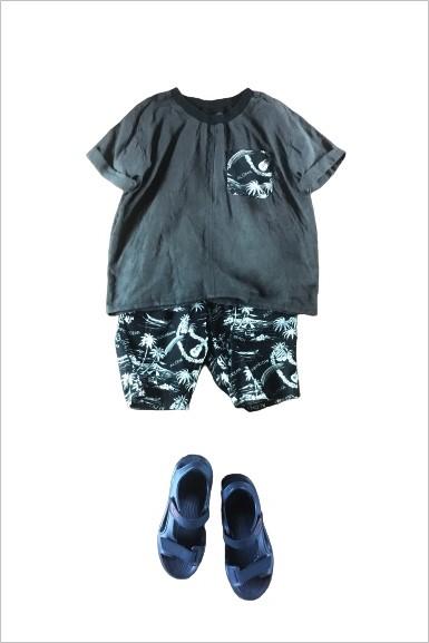 小学生男子夏コーデ,アロハ柄,Tシャツ,ハーフパンツ,スポーツサンダル