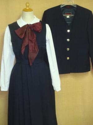 雲雀丘学園高等学校の制服