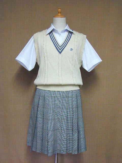 登美丘高等学校の制服