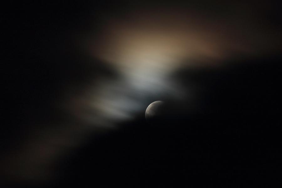 月食と光冠