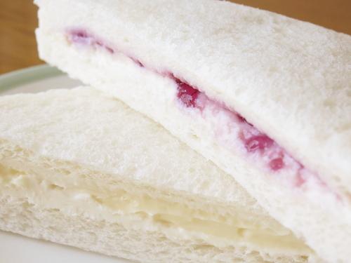 ローソン レアチーズケーキサンド