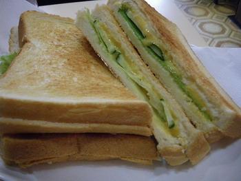 JUN・チーズホットサンド
