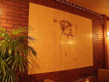 壁のタイル画