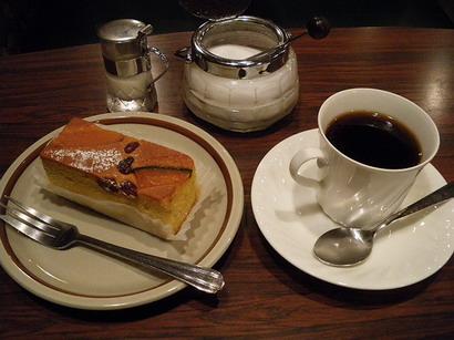 かぼちゃケーキとコーヒー