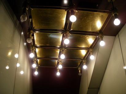 入口の照明