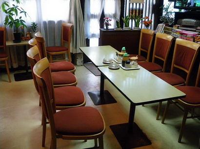 ブラジルコーヒー店内・中央のテーブル