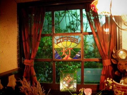 窓の灯火ステンドグラス