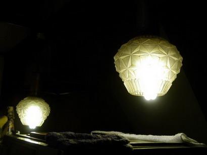 カウンターの照明