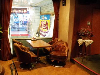 ステージ前のテーブル