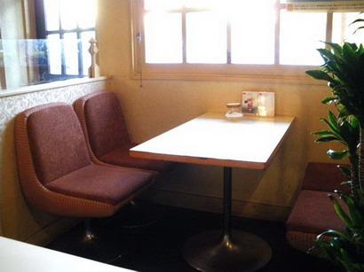 窓際の席2