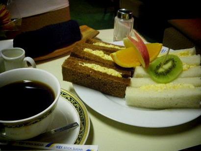 タマゴサンドとコーヒー