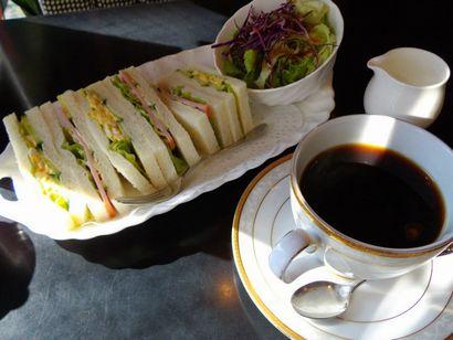 カフェ・ド・巴里 池袋西口店