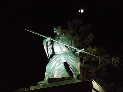 紀伊田辺駅前・弁慶像