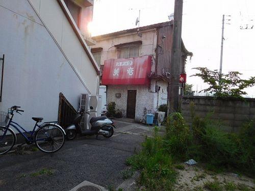 今治駅前の寂れ物件9