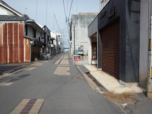 坂出・薔薇屋2