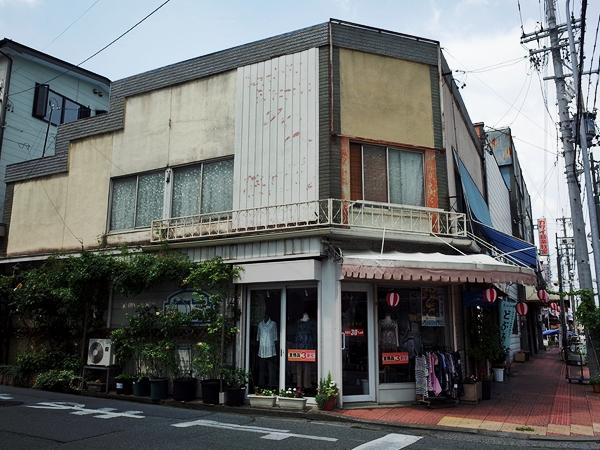 伊那市・ファッションハウスハナボウシ(花帽子)(旭町)1