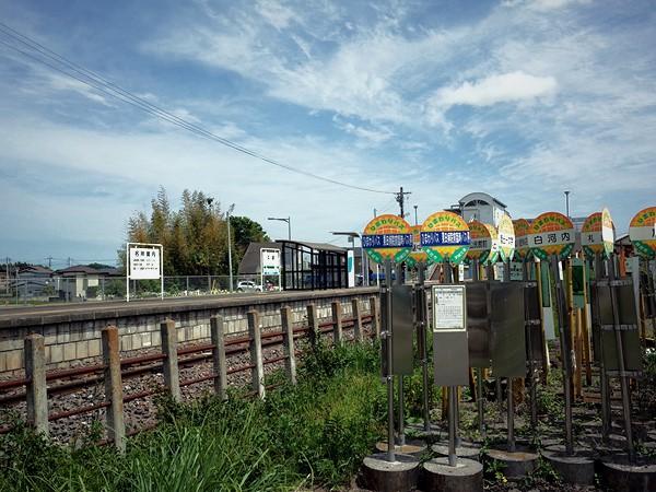 瓜連駅前・バス停の墓標6