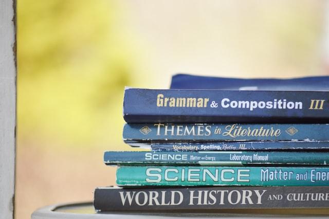 英語の教科書、コミカレのイメージ