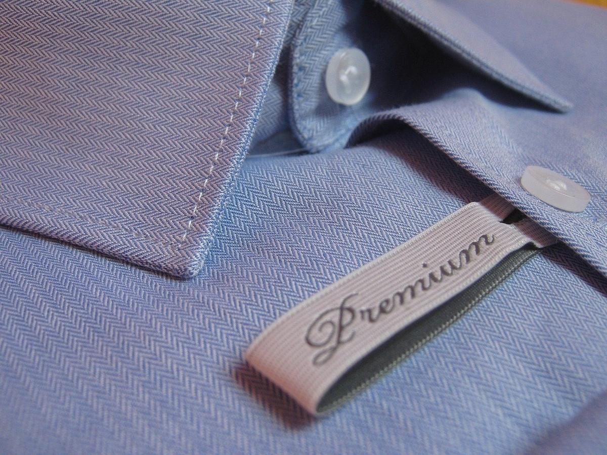 プレミアムクオリティのシャツ