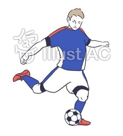 サッカーボールを蹴る男性