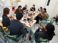 茨木ベースの夕食風景
