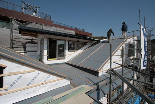 高座台のツインハウス 屋根工事 名古屋設計事務所