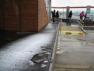 この程度の雪で驚いてちゃあね(福岡)