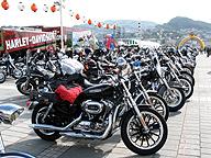 長崎に全国から集まった多彩なハーレー
