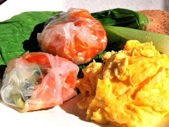 冷凍食品をおいしく食べるチョイ技!プルプル透け透け「エビチリ蒸し餃子」だって作れます